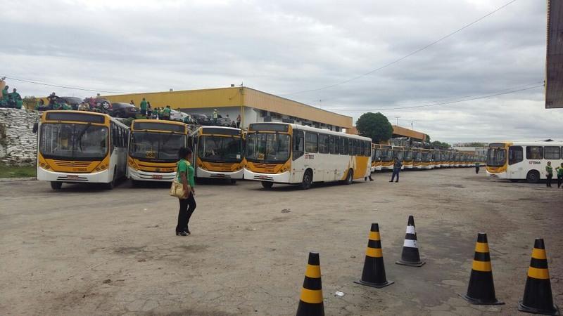 Rodoviários anunciam greve por tempo indeterminado em Manaus