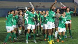 Em 2016, as meninas do Iranduba conquistaram o campeonato estadual (Foto: Reprodução/Facebook)