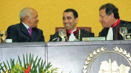 Governador José Melo, promotor Fábio Monteiro e o procurador Francisco Cruz (Foto: Secom/Divulgação)