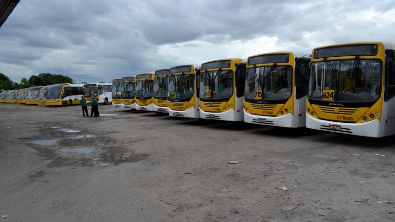 Empresas não cumprem acordo e rodoviários recolhem ônibus para as garagens
