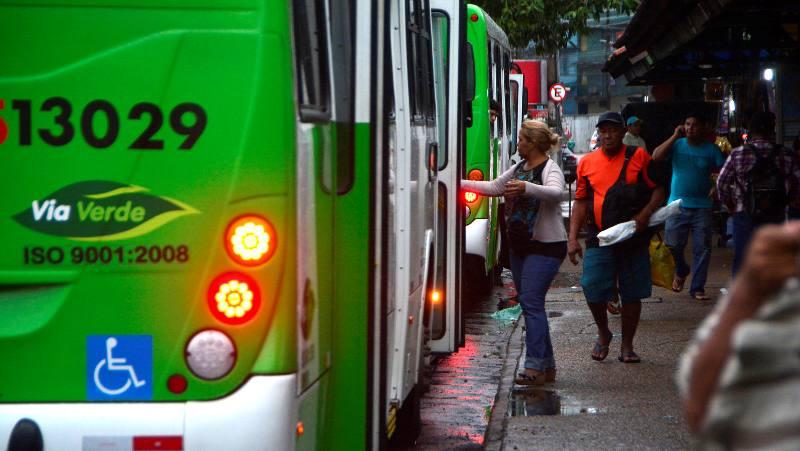 ônibus greve (Foto: Márcio James/Semcom)