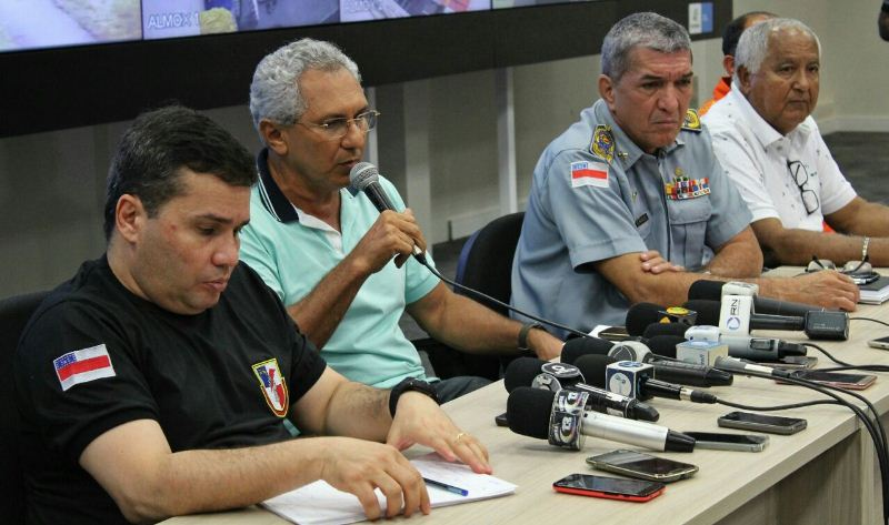 Autoridades de segurança pública do Amazonas tentam justificar os problemas nos presídios (Foto: Johny Vanconcelos/SSP)