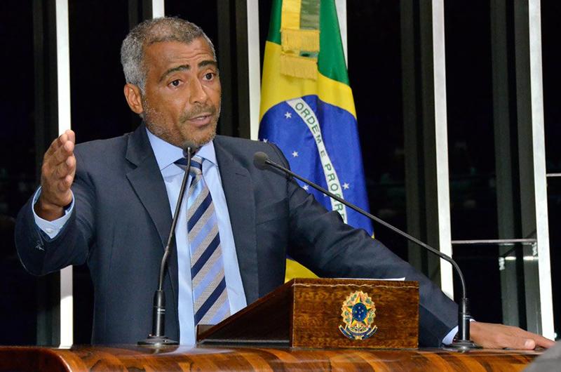 O senador Romário reiniciou a polêmica sobre indicação do procedimento cirúrgico (Foto: Waldemir Barreto/Agência Senado)
