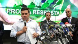 O secretário Sérgio Fontes disse que não esperavam uma guerra entre facções rivais nos presídios (Foto: Valmir Lima)
