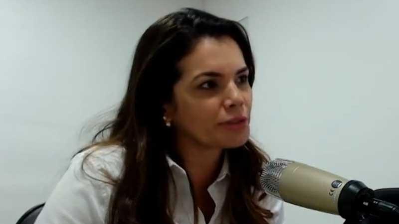 Alessandra Campelo chama de 'paquitos' policiais que a criticam nas redes sociais