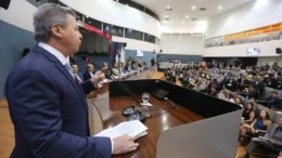 O prefeito Arthur Virgílio na abertura dos trabalhos da CMM em fevereiro de 2016 (Foto: Tiago Correa/CMM)