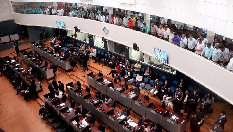 Licitação da CMM para transmitir sessões plenárias na TV aberta fracassa