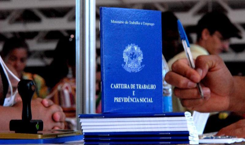 Carteira de trabalho será emitida nas agências dos Correios em todo o País