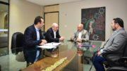 Governador José Melo, com a equipe econômica que discute os projetos de exploração mineral (Foto: Bruno Zanardo/Secom)