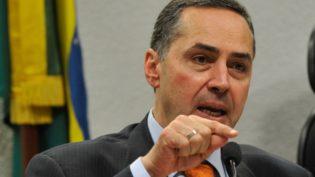 Ministro Barroso manda identificar juízes em folha de pagamento