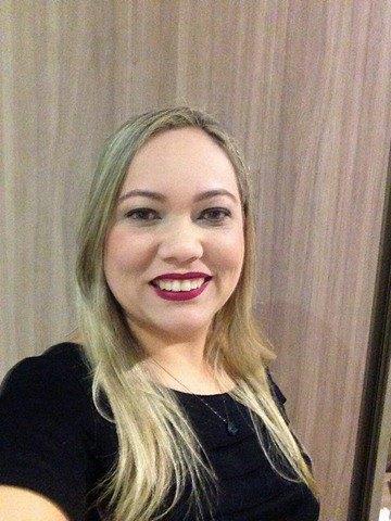 Mônica Siqueira