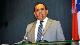 O deputado Orlando Cidade permanece como presidente da CCJ, mas sob vigilância dos colegas (Foto: Danilo Mello/ALE)