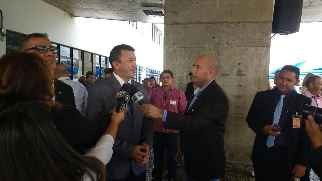 Vereador Sassá desmaia ao discursar na tribuna da Câmara Municipal de Manaus