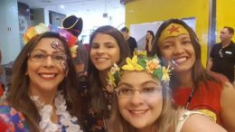 Yndira Assayag e a equipe de marketin g do Amazonas Shopping