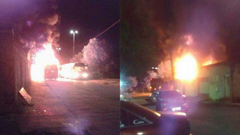 Ônibus incendiado no Conjunto Galileia, zona norte de Manaus, na noite desta quinta-feira (Fotos: Reprodução)