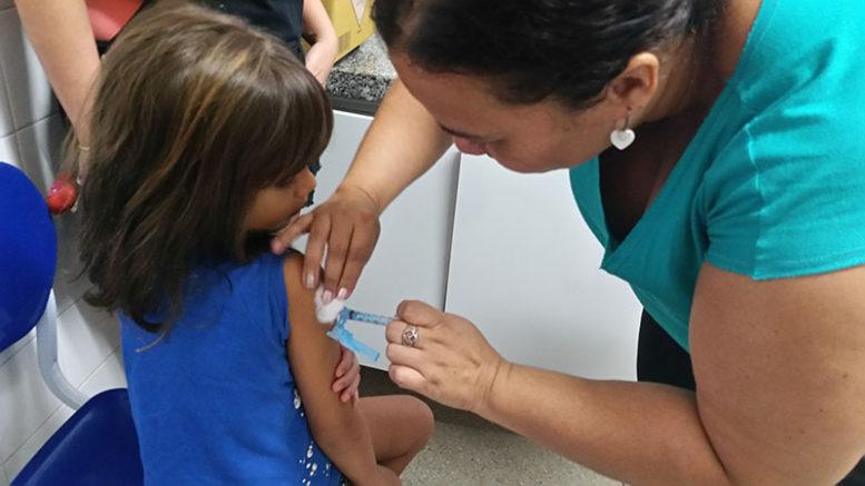 Recife - Começa vacinação contra o vírus H1N1 na capital pernambucana (Sumaia Villela/ABr)
