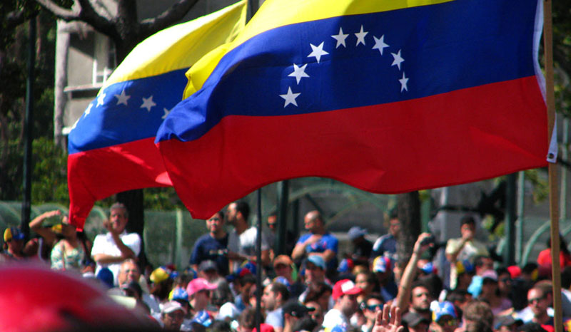 Pela primeira vez, general venezuelano reconhece Guaidó como presidente