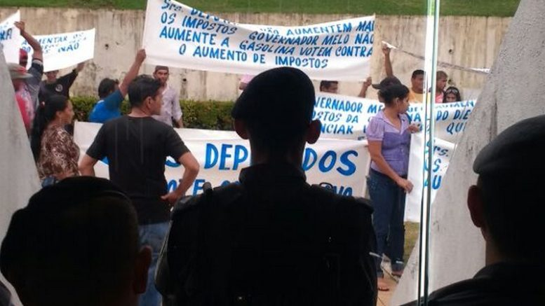 AEAM protesto (Foto: Rosiene Carvalho)