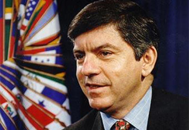 Ex-presidente da Colôbia, César Gaviria é a favor da descriminalização de 'todas as drogas (Foto: OASPD/Divulgação)