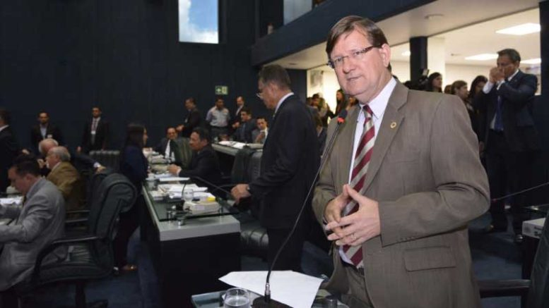 O deputado estadual José Ricardo disse que quer a Frente Parlamentar dialogando com a sociedade (Foto: Danilo Mello/ALE)