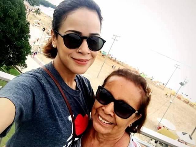 Martha Bernardo e sua mamis