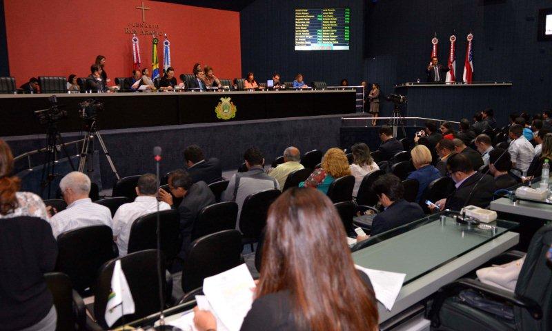 Os deputados estão sendo pressionados para que revejam as medidas propostas pelo governo (Foto: Danilo Mello/ALE)