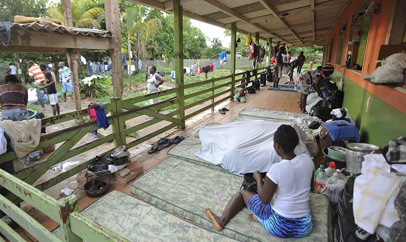 Governo do Acre cobra R$ 12 milhões da União por gastos com haitianos