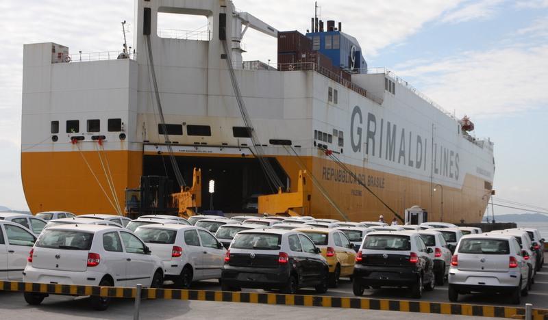 Excesso de burocracia pública trava as exportações brasileiras, revela pesquisa