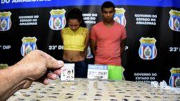 Casal drogas (Foto: PC/Divulgação)