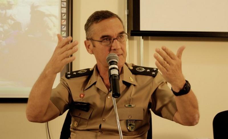 General diz que banalização da corrupção é ameaça à democracia