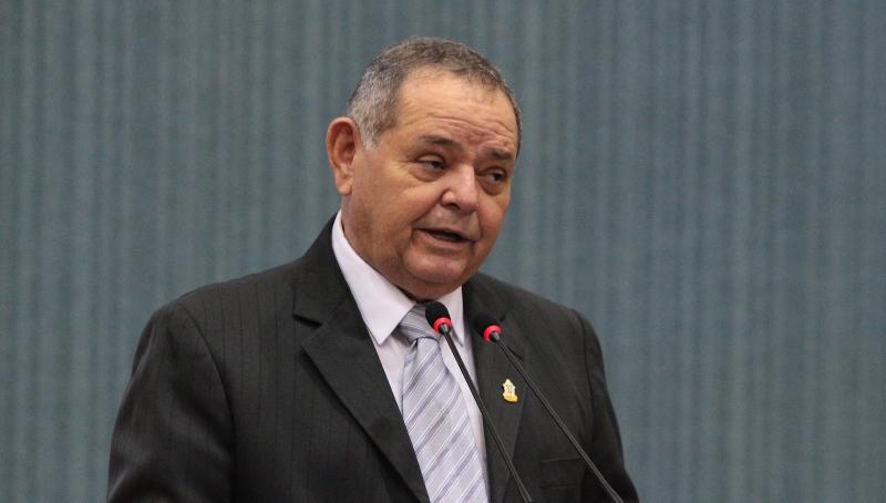 O vereador Gedeão Amorim foi secretário da Seduc na gestão de Eduardo Braga (Foto: Tiago Corrêa/CMM)