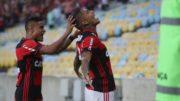 Guerrero e Ewerton (Foto: Gilvan de Souza/Flamengo.com/Divulgação)