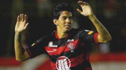 Victor Ramos Vitória-BA (Foto: Vitória/Divulgação)