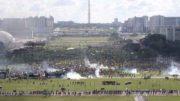 Brasília - Manifestantes marcham em Brasília por eleições diretas e entram em confronto com a Polícia Militar (Fabio Rodrigues Pozzebom/Agência Brasil)