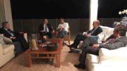 No Facebook, Aécio Neves aparece em reunião com os senadores Tasso Jereissati, Antonio Anastasia, Cássio Cunha Lima e José Serra (Foto: Facebook/Reprodução)