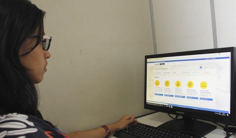 Nas la houses, estudante paga apenas impressão do formulário de inscrição (Foto: Marinho Ramos/Semcom)