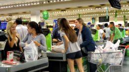 Comércio supermercado (Foto: Rafael Neddermeyer/ Fotos Públicas)