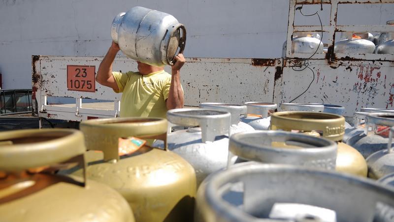 Petrobras anuncia aumento de 12,9% no preço do botijão de gás