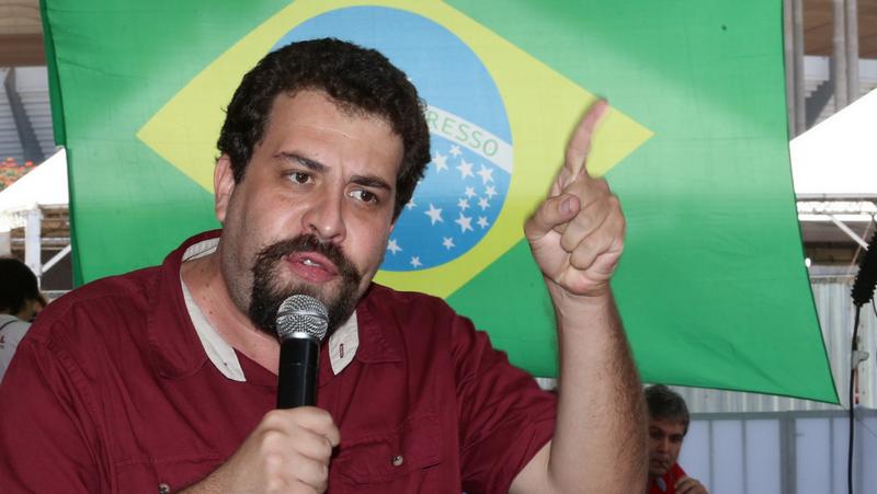 Como candidato, Boulos promete revogar atos de Michel Temer