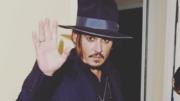 Questionado se o presidente precisaria de reabilitação, Depp disse achar que 'ele precisa de ajuda' (Foto: Instagram/Reprodução)