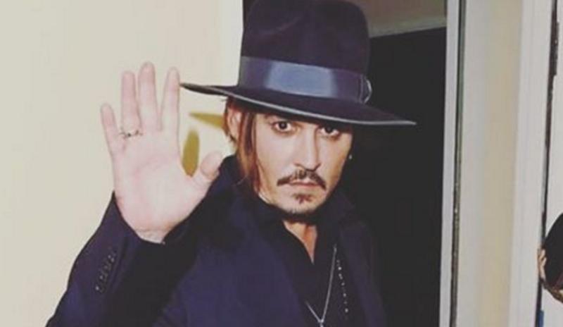 Johnny Depp está fora da franquia de Piratas do Caribe, diz jornal