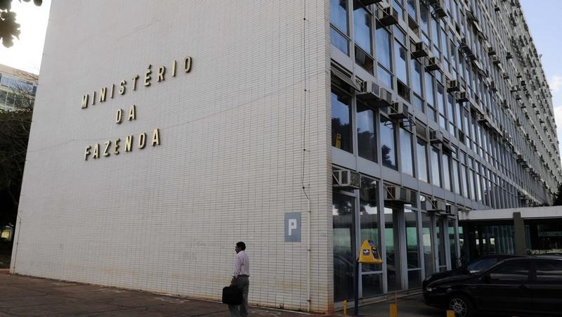 União banca R$ 2,8 bilhões em dívidas de Estados e municípios