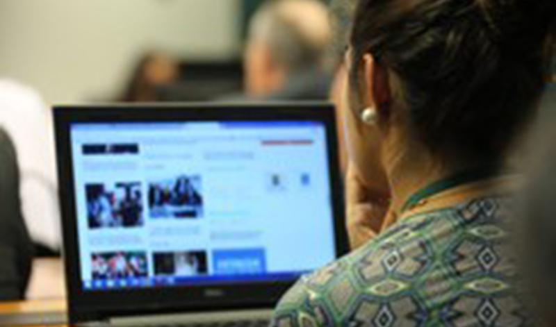 Guia dá dicas de como fazer bom uso da internet nas eleições