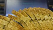 Para pães de forma, a meta é que o nutriente caia de 450 mg para 400 mg a cada 100 gramas do produto (Foto: Unicamp/Divulgação)