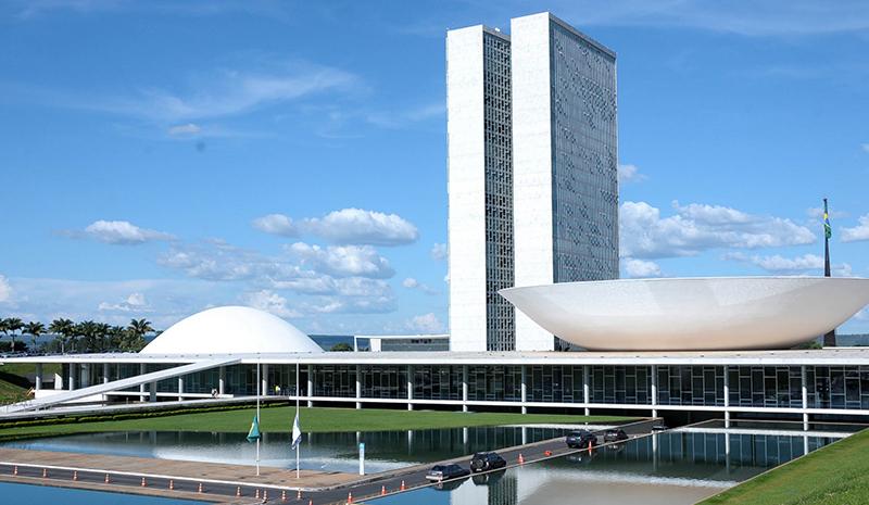 Brasileiros podem opinar sobre corrupção e lobby até 30 de abril