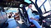 David Almeida entregou viaturas e um helicóptero para a Polícia Militar (Foto: Bruno Zanardo/Secom)