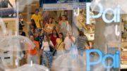 Consumidores informaram que comprarão presentes e vendas devem crescer este mês (Foto: ABr/Agência Brasil)