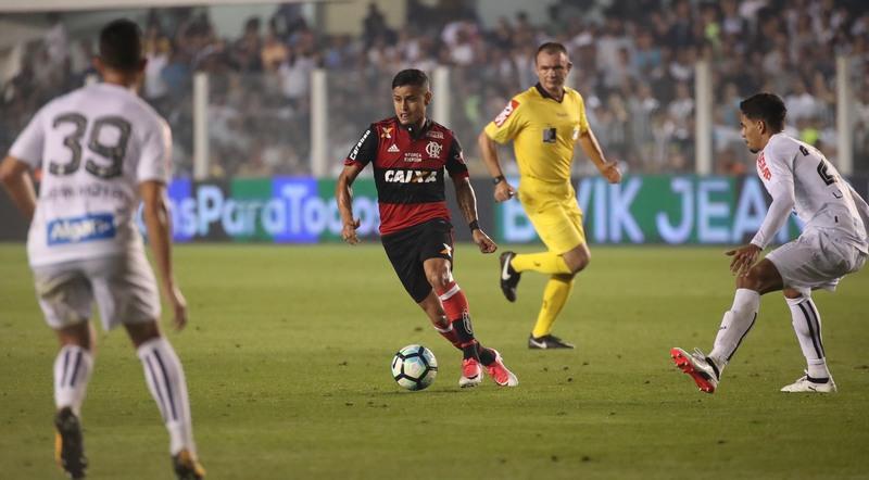 CBF rebaixa árbitros que marcaram pênalti erroneamente no Brasileirão