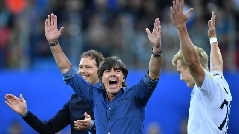 Técnico Joachin Low festejou a conquista inédita da Copa das Confederações (Foto: Fifa/Divulgação)