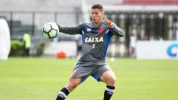 Paulinho começa jogando no ataque do Vasco. Jogador é revelação do clube na temporada (Foto: Paulo Fernandes/Vasco.com)